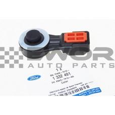 ŁĄCZNIK / KOŃCÓWKA LINKI ZMIANY BIEGÓW FOCUS I, II / FOCUS C-MAX / C-MAX / FIESTA V -  SKRZYNIA B5/IB5 (Ford oryginał- 1332491)