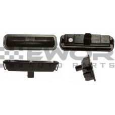 Przycisk / mikrostyk / włącznik otwierania pokrywy / klapy bagażnika + lampka oświetlenia tablicy rejestracyjnej (Zamiennik-BM51-19B514-AF, BM51-19B514-AD, BM51-19B514-AC, BM51-19B514-AE)